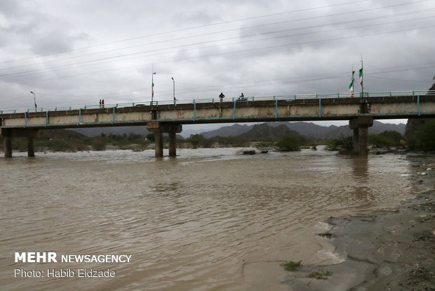 Flood claims lives of two border guards in SE Iran