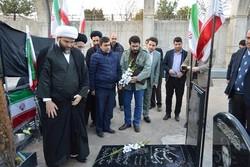 قمی به مقام والای شهدای تبریز ادای احترام کرد