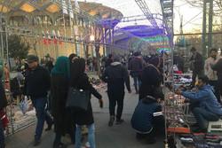 جشنواره دستفروشان در تئاتر شهر برقرار است/ نورپردازی برای فروش!