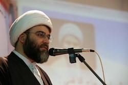 توجه به مکتب امام خمینی(ره)  برای جامعه نجات بخش و گره گشا است