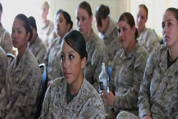 امریکی بری بحری اور فضائیہ افواج میں خواتین کو ہراساں کیا جاتا ہے