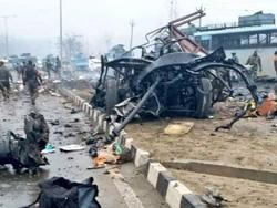 کشمیر میں خودکش کار بم دھماکے میں ہلاکتوں کی تعداد 44 تک پہنچ گئی
