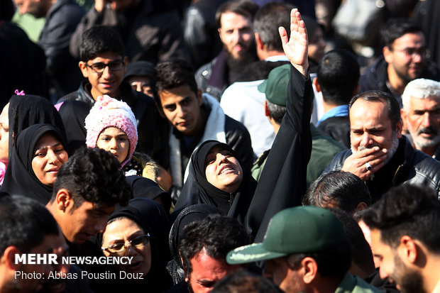 Bodies of martyred IRGC personnel arrive in Isfahan