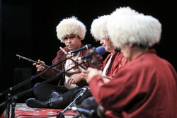 Iranian folk music performance at 34th Fajr Music Festival