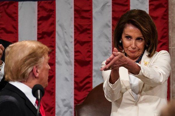 پلوسی: منتظر سنای آمریکا هستیم/ اکنون بهانه ترامپ چیست؟