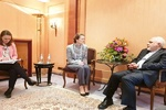 Zarif meets with executive director of UNICEF