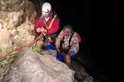نجات جان مرد ۵۲ ساله در کوه های منطقه لوداب شهرستان بویراحمد