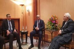ظريف يلتقي وزير الدفاع اللبناني على هامش مؤتمر ميونيخ الأمني