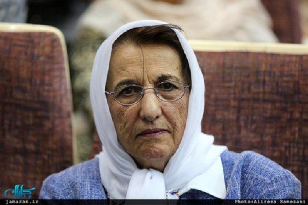 """وفاة بوران شريعت رضوي زوجة المفكر الإيراني """"علي شريعتي"""" عن عمر يناهز  84 عاما"""