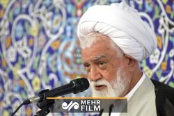 انتقاد امام جمعه بندرعباس به روحانی درباره شرایط اقتصادی مردم