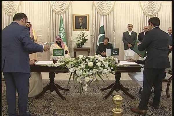 وقتی عمران خان، محمد بن سلمان را محبوب قلبها خواند