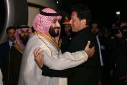 Kral Selman Pakistan Başbakanı İmran Han'la görüştü