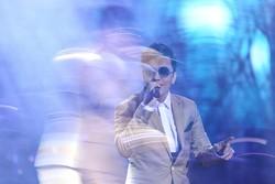 محسن ابراهیمزاده هم برای برگزاری کنسرت عازم کیش میشود
