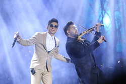 """حفلة موسيقية للمغني الإيراني """"محسن ابراهيم زاده"""" في اليوم السادس لمهرجان فجر الموسيقي/صور"""