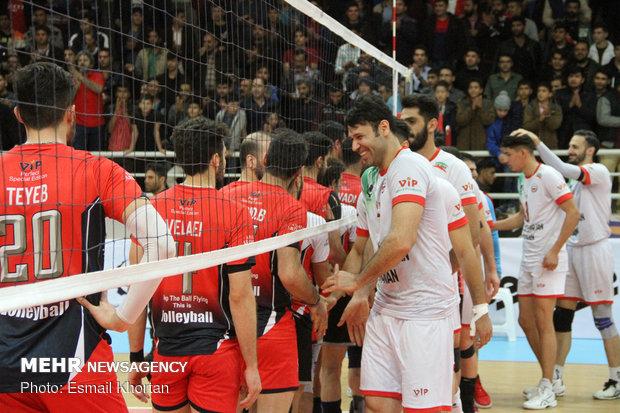 دیدار تیم های والیبال فولاد سیرجان ایرانیان و خاتم اردکان
