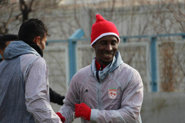 Tractor Sazi terminates Kevin Constant contract following failed medical tests
