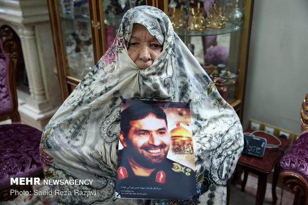 مادر شهید حسن طهرانی مقدم ( شهید حسن طهرانی مقدم در سال 1390 به شهادت رسید)