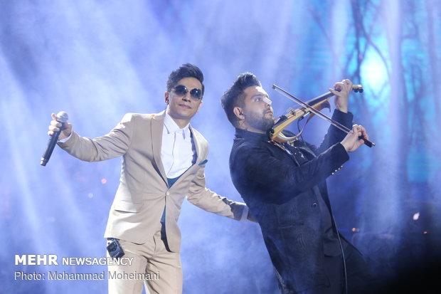 """حفلة موسيقية للمغني الإيراني """"محسن ابراهيم زاده"""" في اليوم السادس لمهرجان فجر الموسيقي"""