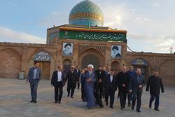 وزیر دادگستری به شهدای قزوین ادای احترام کرد