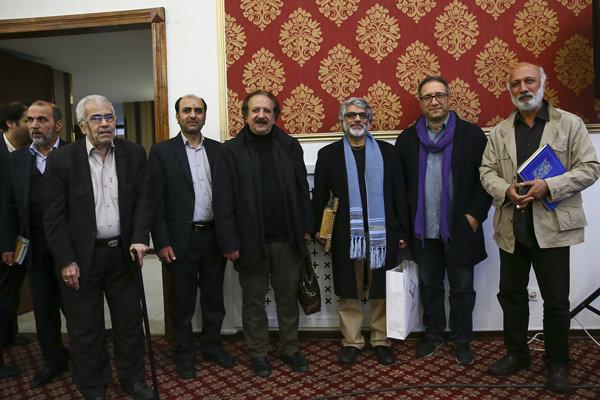 محمدعلی باشهآهنگر بهعنوان سینماگر خادم قرآن تجلیل شد