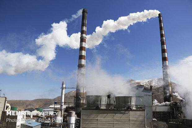 Industry minister visits Kerman province