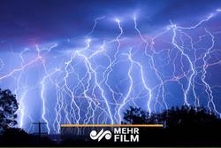پیشبینی رگبار و رعد و برق برای بیشتر استانهای کشور