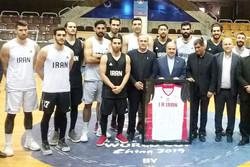 وزیر ورزش از تمرینات تیم ملی بسکتبال بازدید کرد