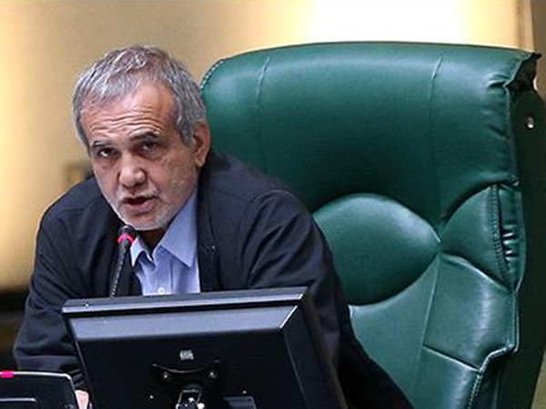 Iranian parliamentary delegation departs for Moscow