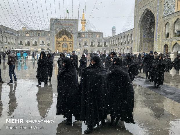 Snowfall blankets Imam Reza (AS) holy shrine