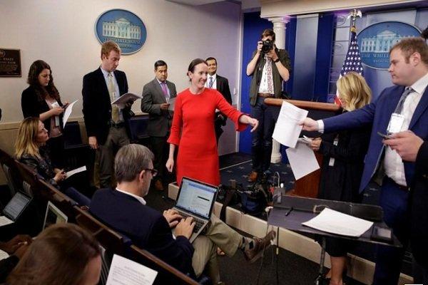 """""""ليندسي والترز"""" نائبة المتحدثة باسم البيت الأبيض تستقيل من منصبها"""