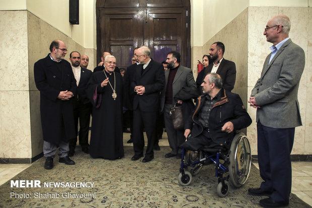 رئيس منظمة الطاقة الذرية يلتقي مطران الأرمن الأرثوذكس في طهران