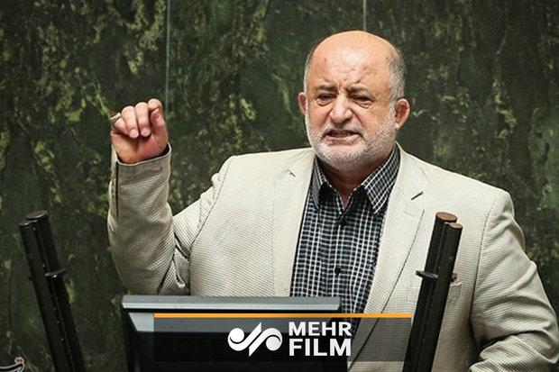 قاضیپور: با کمپین نخریدن خودروی ایرانی مخالفم
