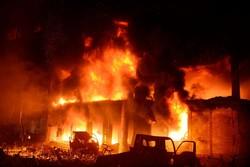 ڈھاکہ کی عمارت میں خوفناک آگ