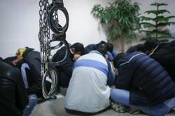 متلاشی شدن باند گوشی قاپی شامل یک زن و هفت مرد