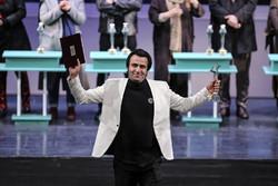 هنرمند لرستانی با نمایش «این کجا آن کجا» کارگردان برگزیده تئاتر فجر شد