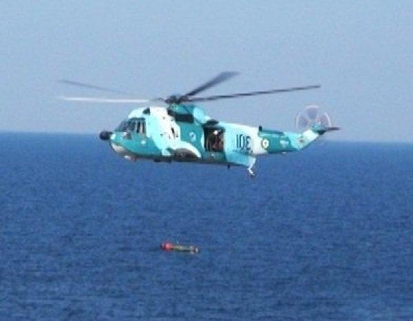 Domestic submarines launch torpedoes on 'Velayat-97' navy drills