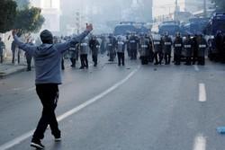 مئات الجزائريين يحتجون على سعي بوتفليقة للترشح لفترة رئاسية خامسة