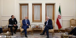 Zarif backs dialogue between Venezuelan rival factions