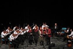 جشنواره ای با نوای موسیقی محلی گیلان/ اجراها به دومین شب رسید