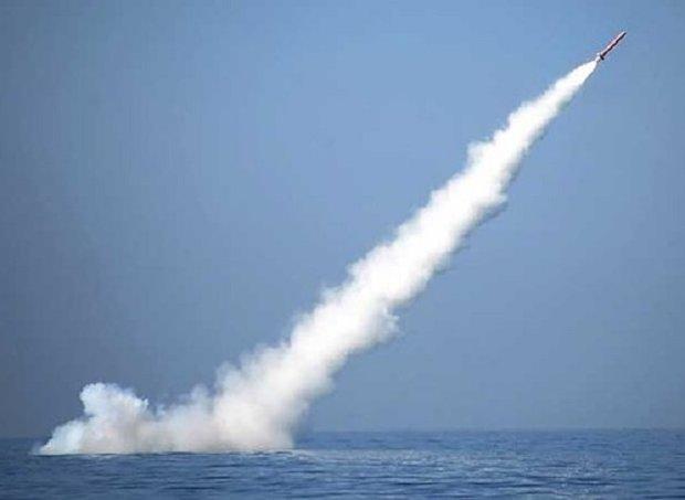 İran yapımı denizaltı Cruise füzesini başarıyla fırlattı