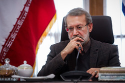 Larijani stresses need for expending ties with Tajikistan