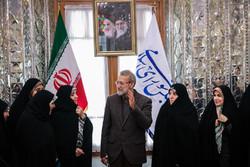 دیدار رییس مجلس شورای اسلامی با بانوان نماینده
