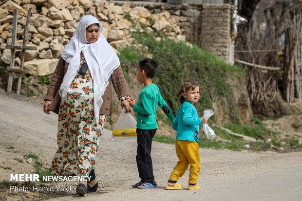 جلب توجه اهالی روستای شارلوق به آیناز و آصف
