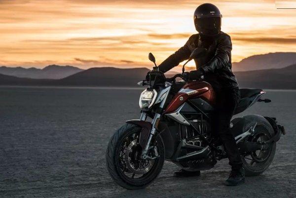 تولید موتورسیکلت برقی با سرعت ۲۰۰ کیلومتر در ساعت