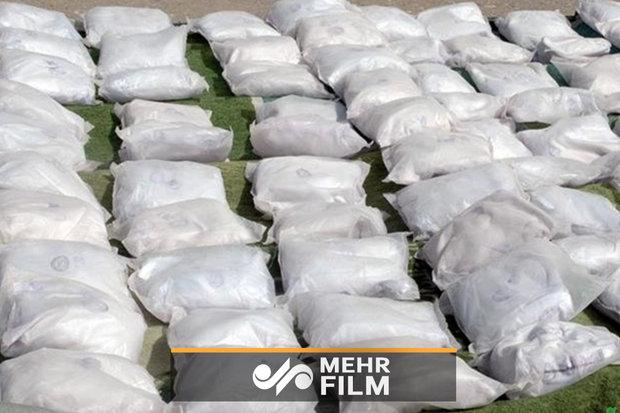 ضبط 1.2 طن من المخدرات واعتقال مهربين في جنوب شرق ايران