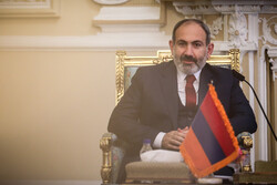 Armenian PM thanks Iran for continuation of trade during pandemic