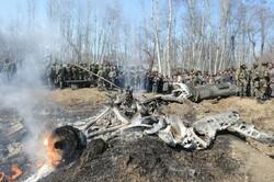 Pakistan'da trene bombalı saldırı!