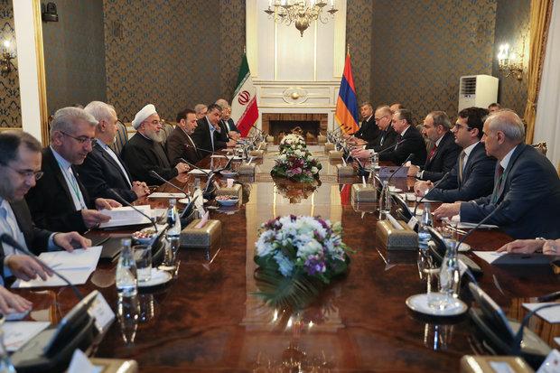 روحاني: نأمل أن نرى مزيداً من التفاهم والاتفاقيات في ظل الحكومة الأرمينية الجديدة