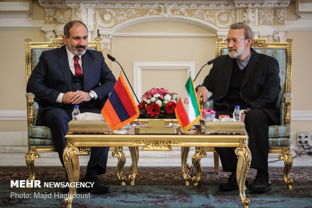 Larijani calls for stepped up Iran-Armenia economic cooperation