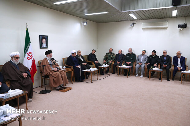 Leader receives members of Congress in Commemoration of Martyrs